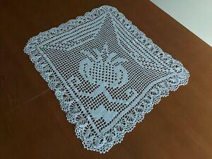 ANTIQUE Beautiful Vintage Handmade Crochet Lace Tablecloth Beige Modernism