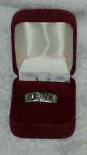 Catholic Sculpture Band Rosary Ring Silver Tone Size 9 Stone Chips in Cross