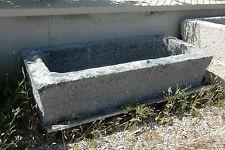 Badewanne aus dem Garten in Stein grau vintage Antiquitäten old carved stone Bad