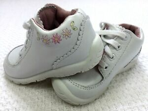 NEW STRIDE RITE BABY GIRL WHITE SOFT LEATHER ROSIE LACE UP COMFY SHOES 6.5 XW