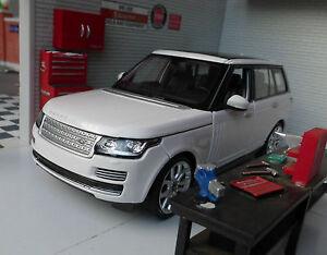 1:24 Range Rover L405 TD6/4.4 V8 Weiß HSE Vogue Detaillierte Rastar Modelle