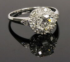 Stunning 1 1/4Cttw Diamond Solitaire Diamond Halo Engagement Estate Ring