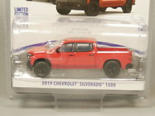 Greenlight 1:64 2019 Chevrolet Silverado 1500 Diecast model car