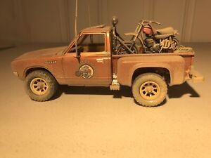 Revell Desert rat Datsun  bullet side  w/Husqvarna  1/25   built