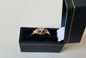 men's .750 18ct Gold & Diamond Set Ring + Box Size U & 1/2 5.7g