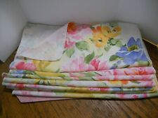 Set of 8 pretty Flowered Spring Table Napkins unused condition Easter