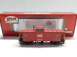 HO Scale - Atlas - Norfolk Southern Standard Cupola Caboose Train Car NS #555048