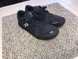 Mens On Cloud Black Running Shoes 13 US M Retails $159