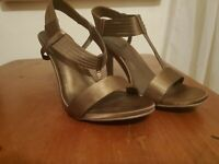 Bronze Kenneth Cole Reaction High Heeled Shoes Size 8.5