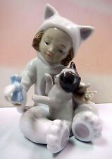 MY PLAYFUL KITTY GIRL HOLDING KITTEN CAT FIGURINE 2011 BY LLADRO PORCELAIN  8586
