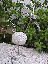 Edler Steinvogel aus Edelstahl mit Messingkugeln, 40 cm