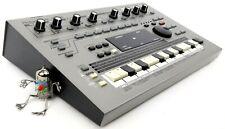 Roland MC-303 Synthesizer 303 808 909 Jupiter Juno + Neuwertig +1.5J Garantie