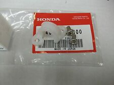 NOS OEM HONDA SWINGARM BRAKE HOSE LINE GUIDE + SCREWS CR125 CR 125 1998-2007 250