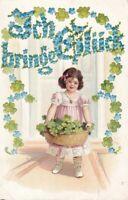 """uralte AK """"Ich bringe Glück"""" junges Mädchen mit Blumenkorb Veilchen 1906 //26"""