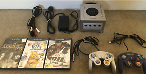 Nintendo Gamecube Console + 2 Controllers + 3 Games
