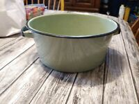 "Vintage Avocado green Enamel Handled Bowl 4"" X 9"""