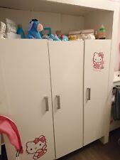 Kinderzimmer / Babyzimmer / Babybett, Wickeltisch plus Kinderzimmerschrank