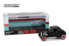 GreenLight 1/18 1932 Custom Ford Hot Rod Matte Black with Red 12975