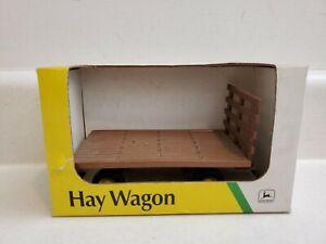 John Deere Vintage Hay Wagon 1/32