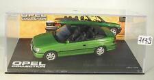 Opel Collection 1/43 Opel Astra F Cabriolet grün 1992 - 1998 in Plexi Box #7179