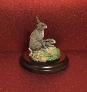 COUNTRY ARTISTS MINIATURE RABBIT & BABY CA142