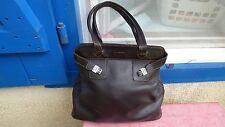 sac à main Lancel vintage en cuir marron foulonné grand modele  porté épaule