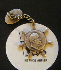 A0043 - Insigne boutonnière Union des Syndicats Ouvriers du Rhône - Léon Jouhaux