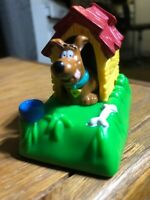 Vtg. Rare Scooby Doo Burger King doghouse Mechanical Dog Moves Mint Condition