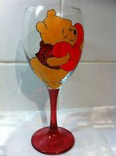 HAND Painted WINNIE THE POOH Orso Grande Lavabile Regalo Bicchiere da vino nitrisci piagnucoloso UK