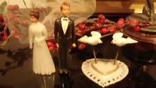 Belles figurines vintage pour décoration de gâteau 1950 mariage couple+ colombes