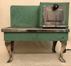Vintage 1930s Empire Metal Ware Corp Two Rivers WI Toy Electric Stove B20 Green