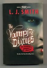 THE VAMPIRE DIARIES - THE AWAKENING AND THE STRUGGLE by LJ SMITH PAPER BACK BOOK