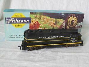 Vintage Athearn HO Scale Atlantic Coast Line GP35 Diesel Locomotive #4201
