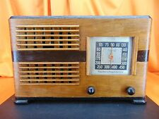 Vintage 1940's EMERSON EH342 Wood Cabinet TUBE RADIO