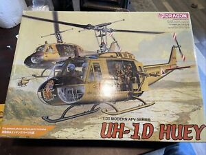 1/35 Dragon UH-1D Huey Extras