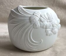 SUBERB MCFREY KAISER PORCELAIN VASE VERY VERY GOOD CONDITION