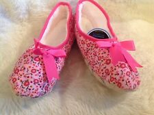 New Snoozies corduroy floral ballet slippers non skid soles  size Medium