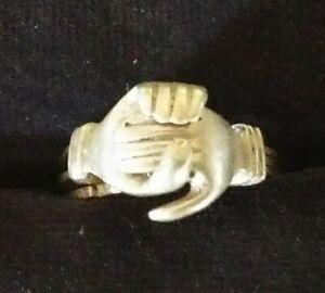 Vintage Sterling Silver Claddagh Fede Gemmel Ring