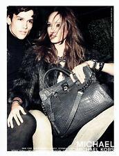 Publicité Advertising 107   2011  sac maroquinerie par Michael Kors