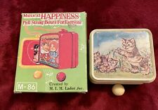 Musical Happiness PULL STRING MUSIC BOX ORNAMENT 1960's Vintage Pussy Cat Japan
