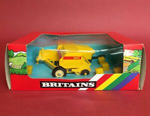 1986- Britains New Holland 940 Hay Baler No9556 MIB