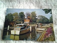 Vintage postcard SONNING LOCK,  BERKSHIRE