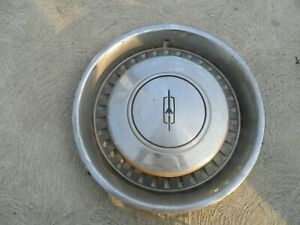 '75-'77 Oldsmobile Cutlass Supreme Wheelcover, Hub Cap  Genuine OEM.
