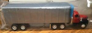 Ertl Mack B61 Gem State Paper & Supply Tractor/Reefer Trailer 1/64