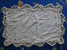 mercerie ancienne , napperon  ancien  51 cm x 36 cm