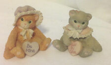 ENESCO PAIR OF VINTAGE CALICO CATS HOLDING HEART CANDIES BE MINE AND SEW IN LOVE