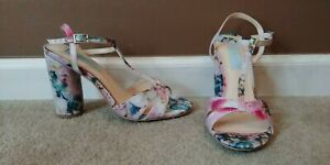 Betsy Johnson Strappy Floral Shoes 6 Chunky Round Heels Modcloth Enchantment $99