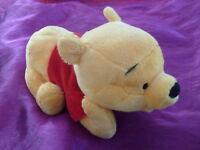 Doudou peluche winnie l ourson jaune rouge allonge  NICOTOY