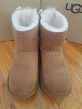 Ugg Dae sunshine perforated tie back big kid size 6 chestnut new in a box 00004000  .