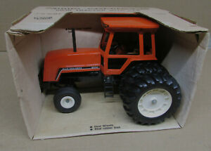 ALLIS CHALMERS 8030 TRACTOR With Dauls Cab NIB Old Ertl Toy 1/16